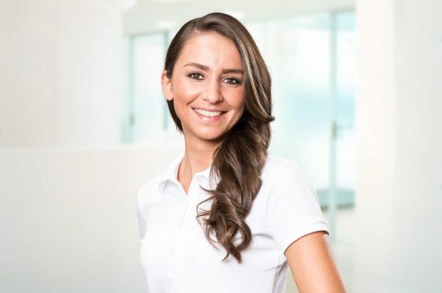 Silvana Carbone – Profess. Zahnreinigung (PZR), Ästhetik (z. B. Bleaching), Hygienebeauftragte