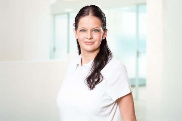 Jessica Senner – Empfang, Verwaltung
